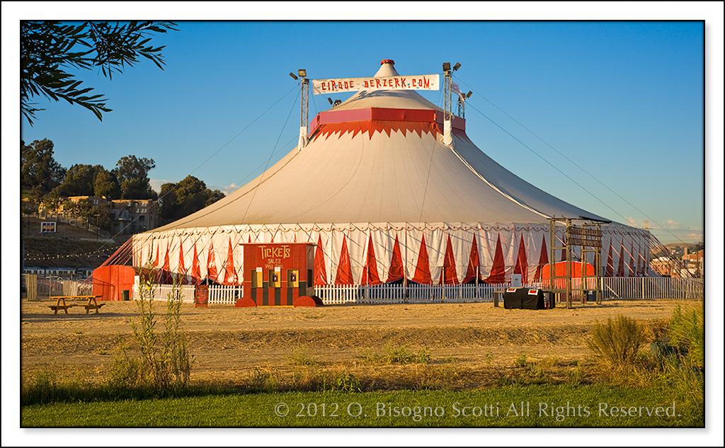 Cirque Berserk Tent