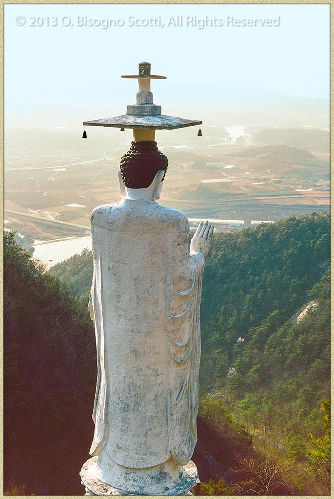Statue, Kum Ryong