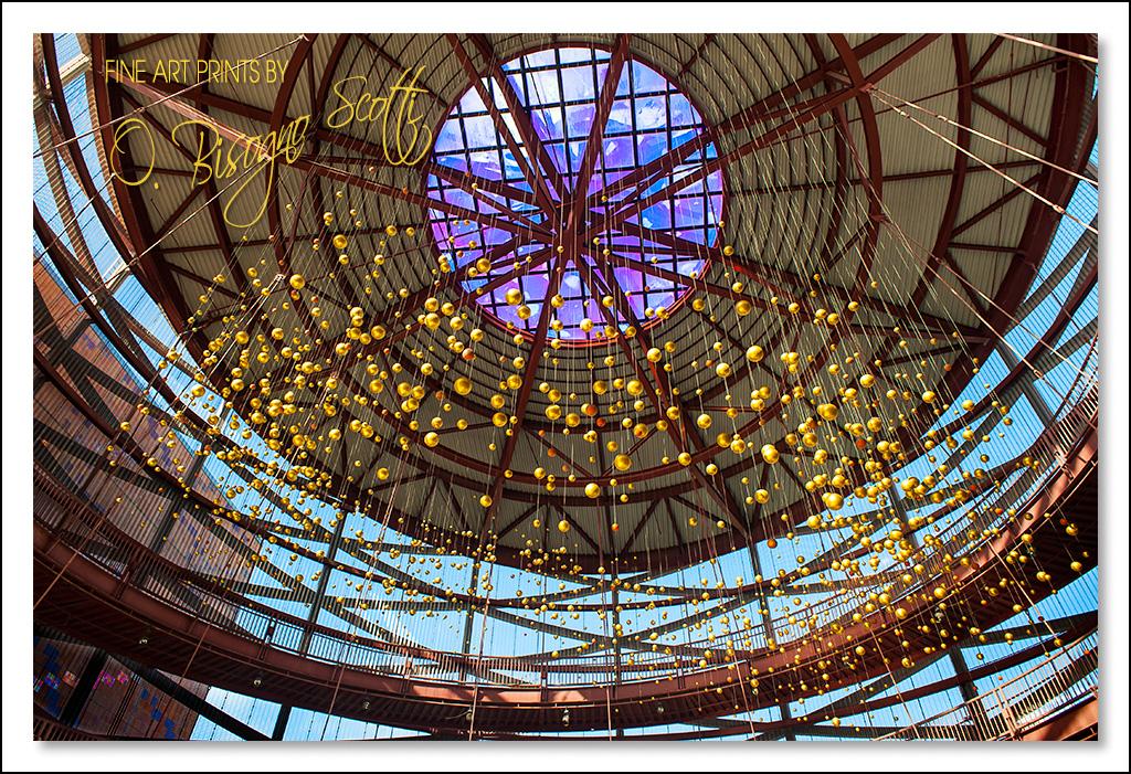 Rotunda - Golden Spheres